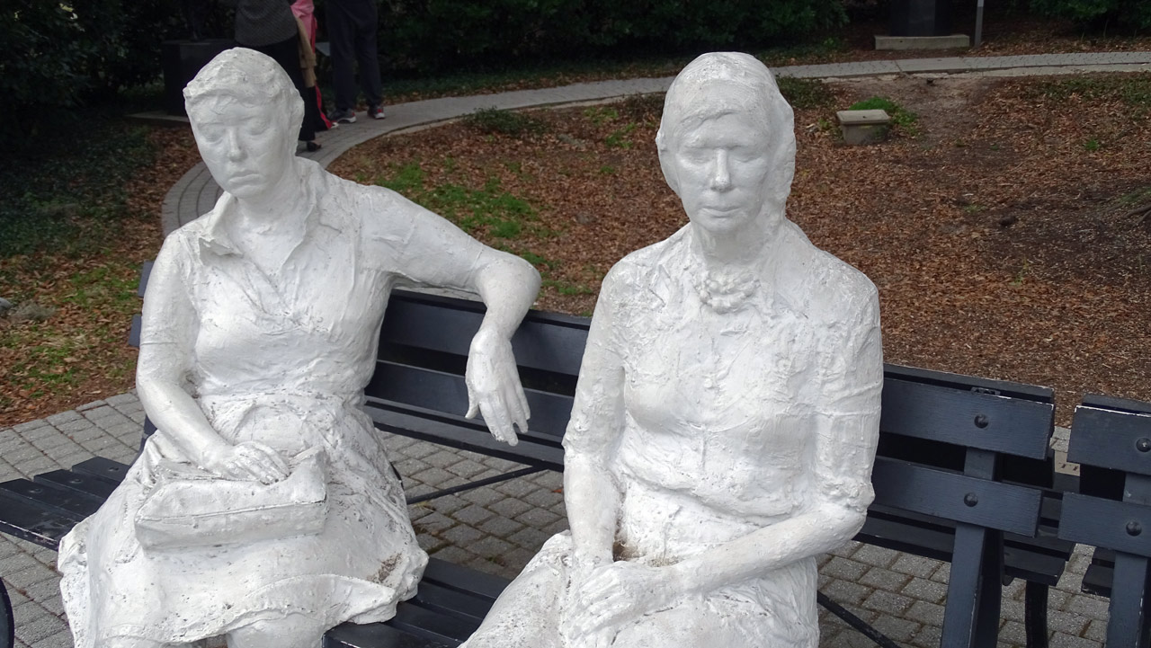 Three Figures and Four Benches by George Segal - Besthoff Sculpture Garden