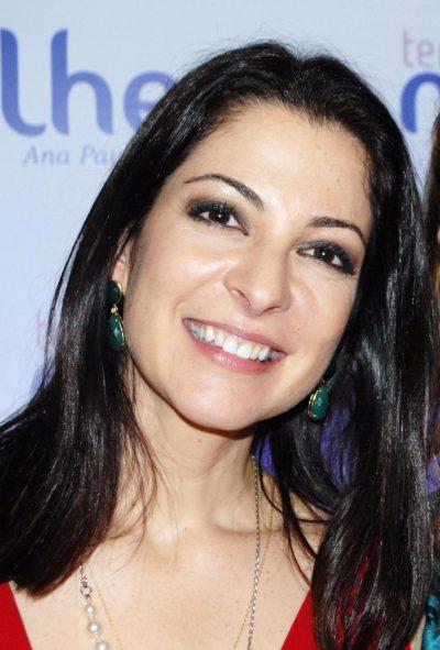 foto da apresentadora de televisão ana paula padrão