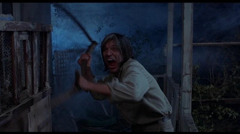 cena de muito medo no filme Eaten Alive de 1977