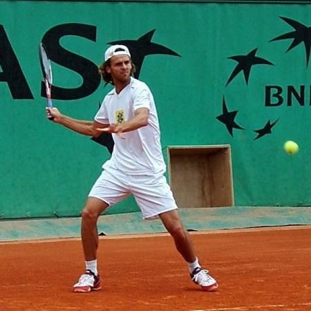 Jogador de tênis guga