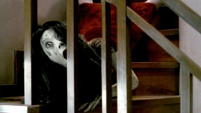 O grito - personagem do filme na escada