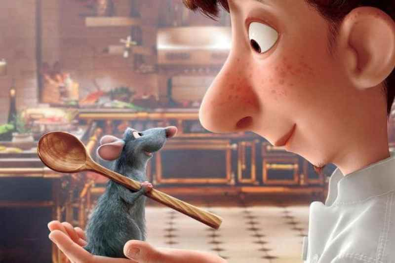 cena do filme ratatouille - O ratinho e o protagonista no restaurante