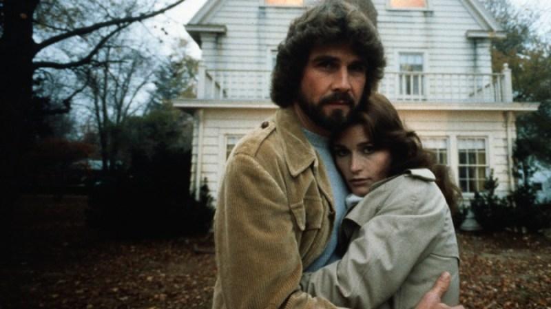 foto do casal do filme terror em amityville de 1979