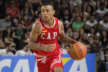 foto do jogador de basquete yago mateus