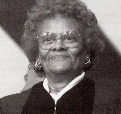 foto preta e branca da famosa Evelyn Boyd Granville
