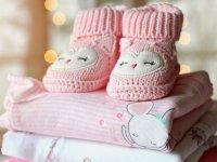 roupas e sapatinho de menina