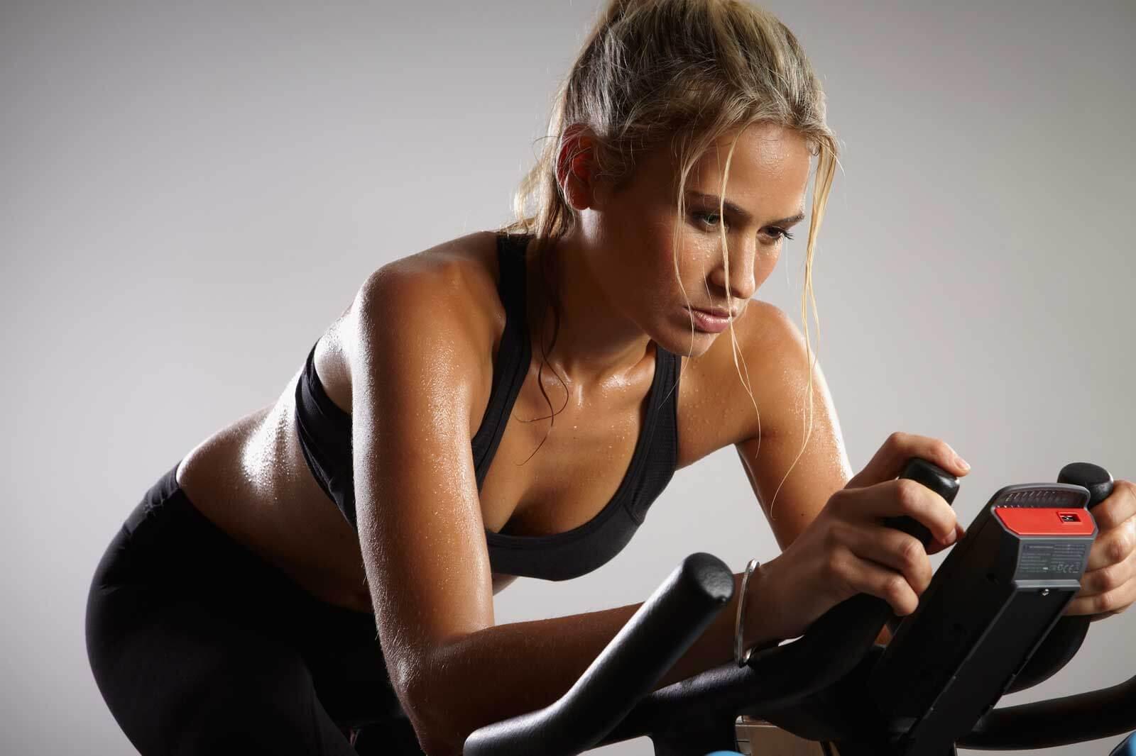 Тренировка Велотренажер Для Похудения. Тренировки на велотренажере для похудения. Система для сжигания жира для начинающих женщин и мужчин