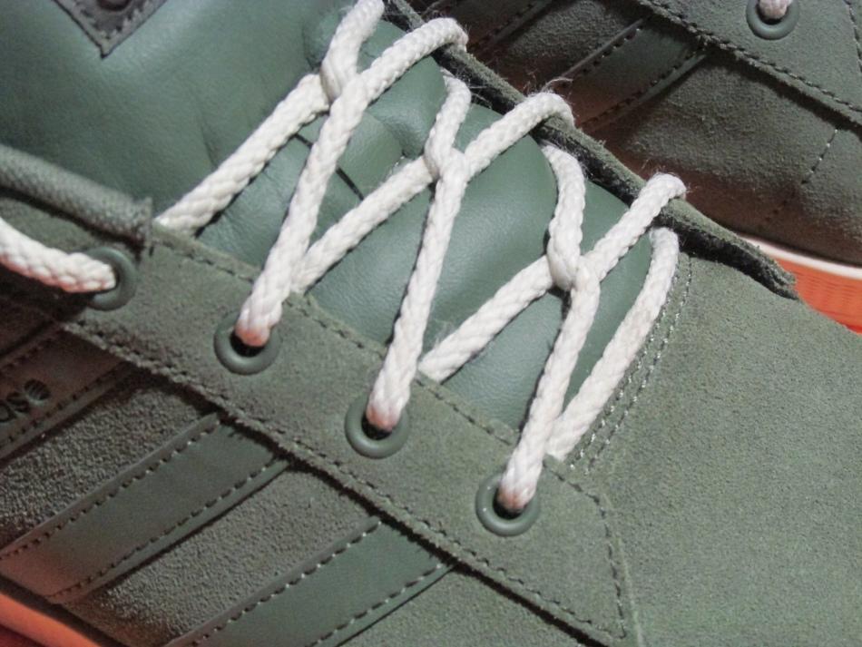 Шнурование кроссовок фото