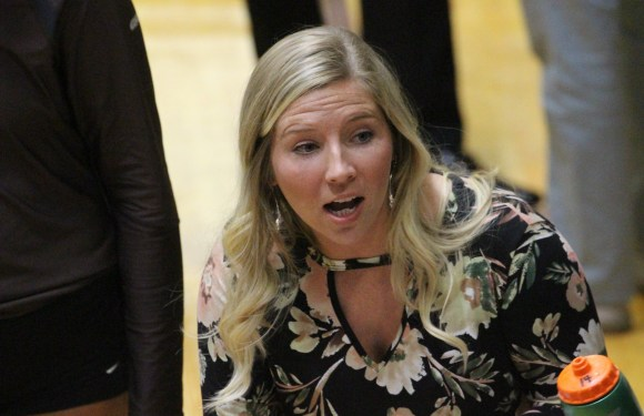 Women's volleyball looking for new head coach
