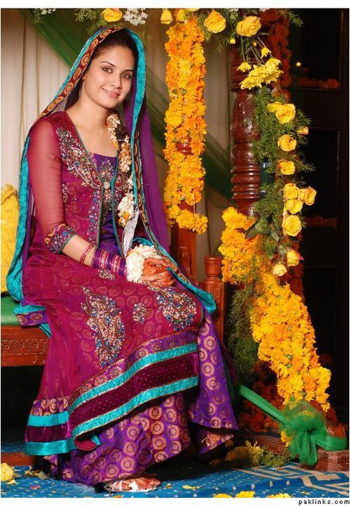Mehndi Dresses  Wedding Planer