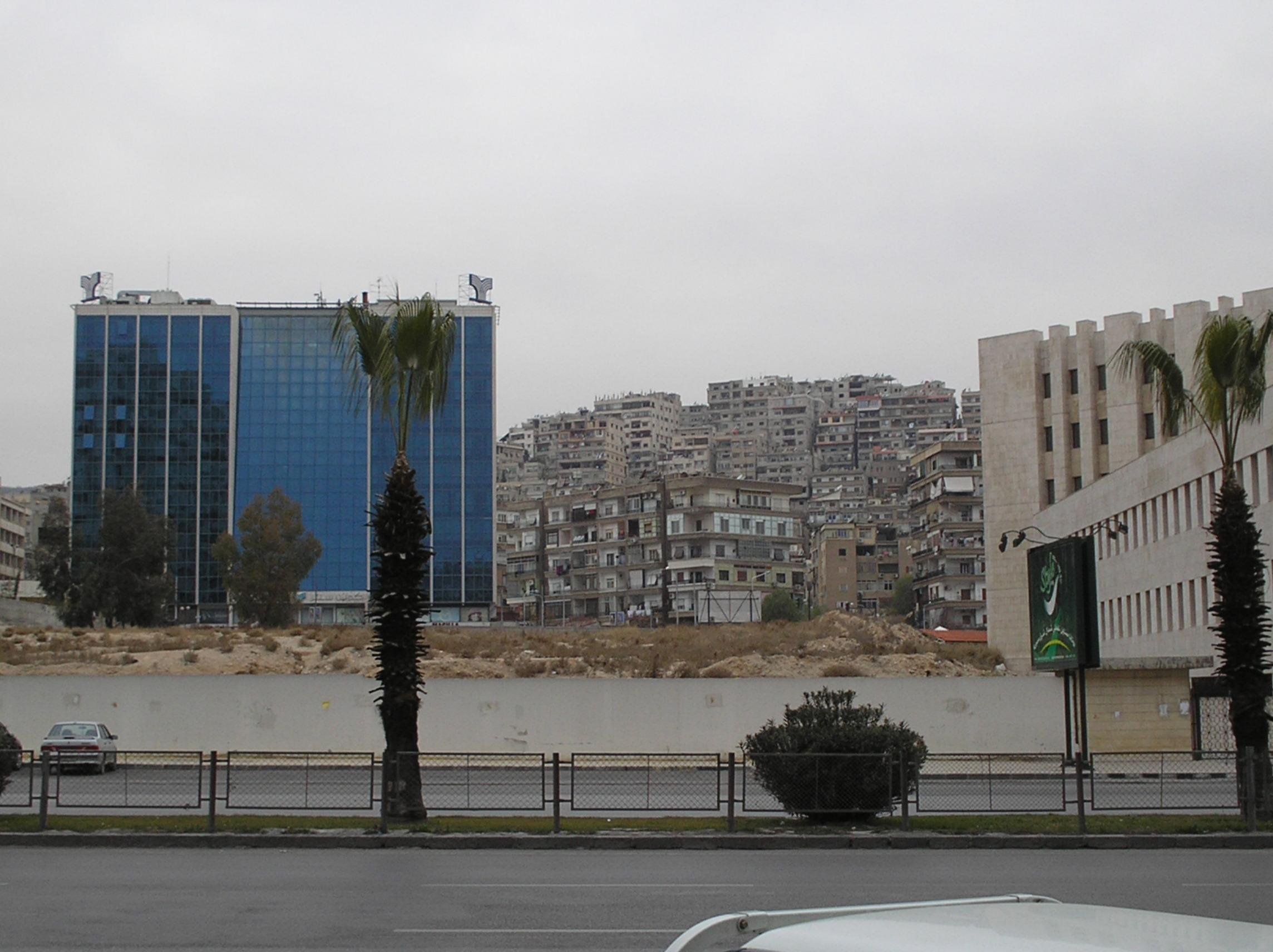 on Mezzeh autostrade