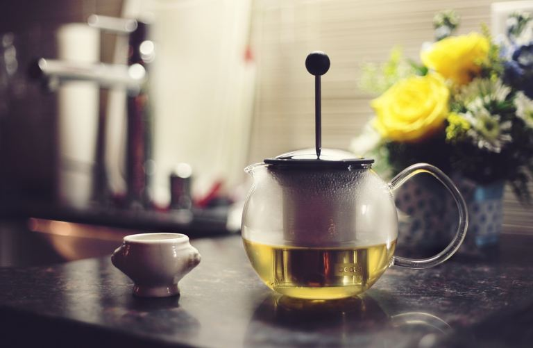 Bình thủy tinh đựng trà