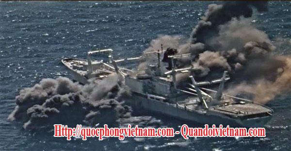 Quân đội Mỹ đã phóng 4 tên lửa chống hạm Harpoon vẫn không đánh chìm được chiếc tàu dân sự