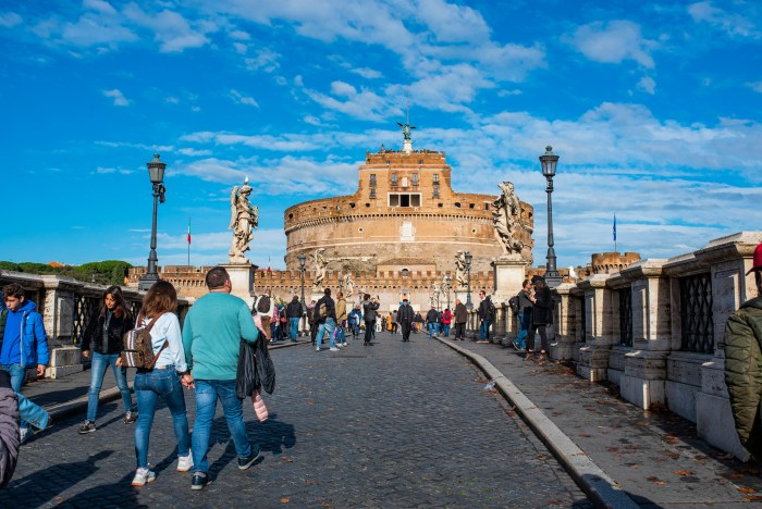 Castel Sant'Angelo Rome from QuodLibet bed and breakfast