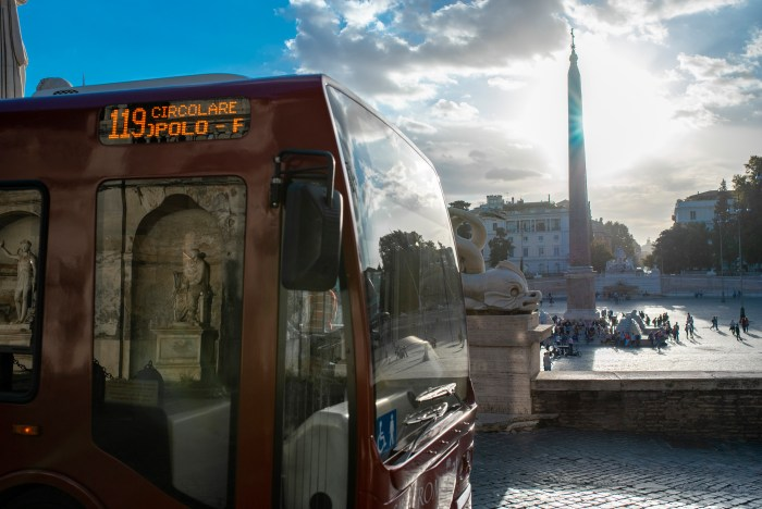 electric bus 119 in Rome - QuodLibet bed and breakfast