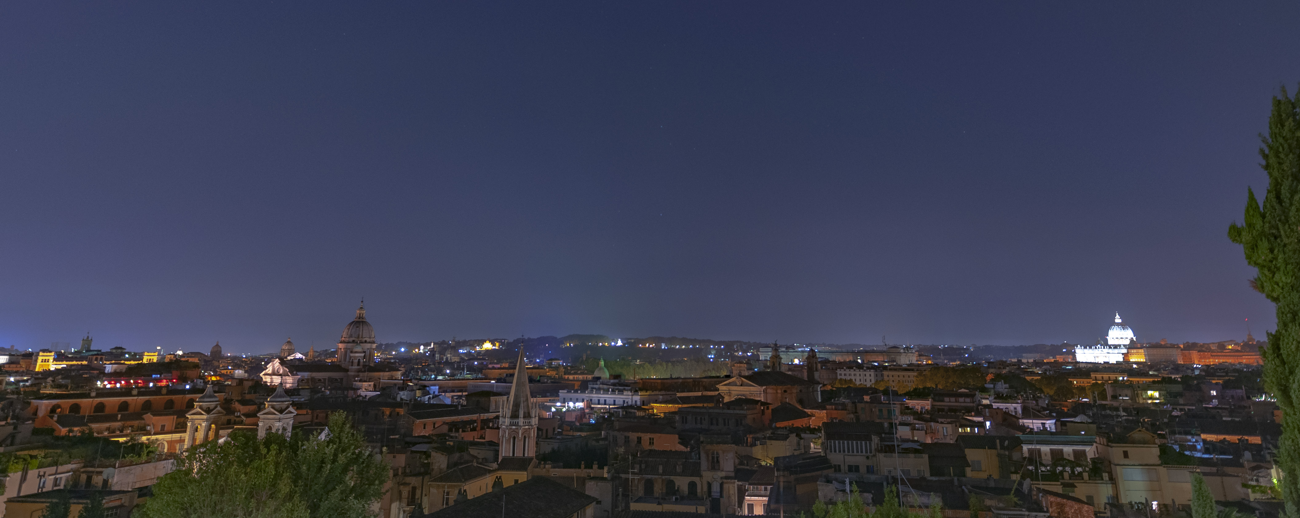 the view from the Pincio at night in Rome - QuodLibet bed and breakfast