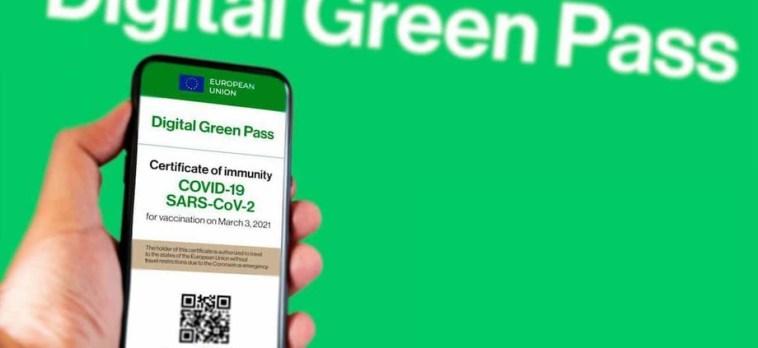 Coronavirus, cabina di regia: «Dal 5 agosto green pass per palestre, cinema e ristoranti»