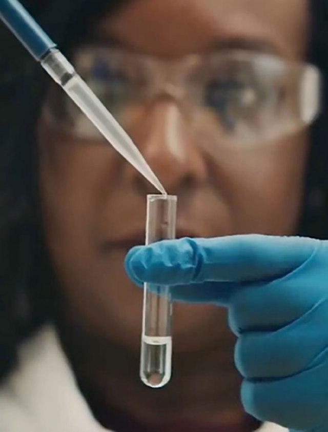 Laboratorio alemán BioNTech pronostica fin de pandemia COVID-19 para 2022