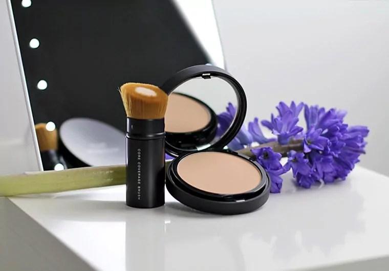 bareMinerals® BAREPRO® Performance Wear Powder Foundation