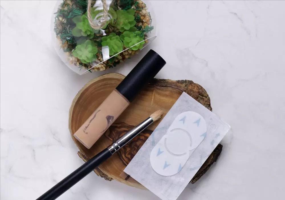 frag lynne wie decke ich ein herpesbl schen ab das beauty blog von qvc. Black Bedroom Furniture Sets. Home Design Ideas