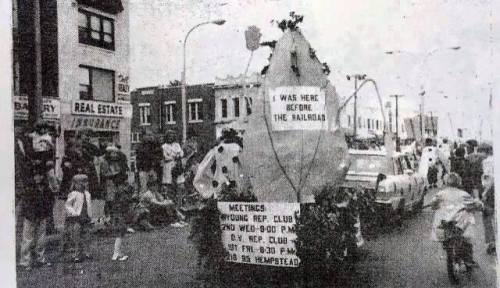 QVRC- 1971 float in parade