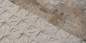 Qvilt rand op ruige vloer
