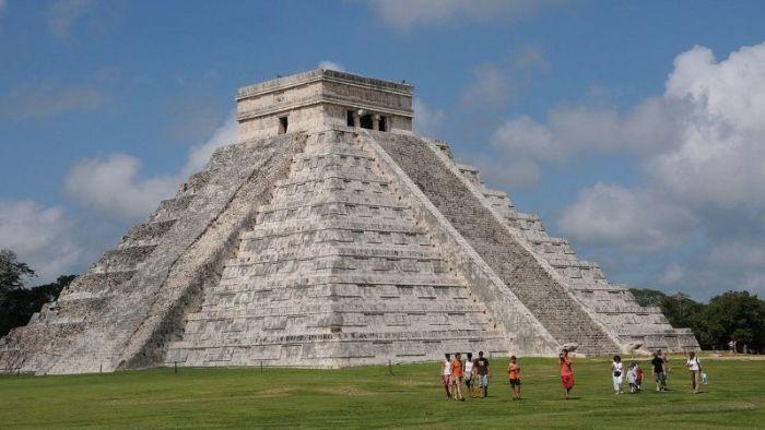 Храм-пирамида в Чичен-Ица