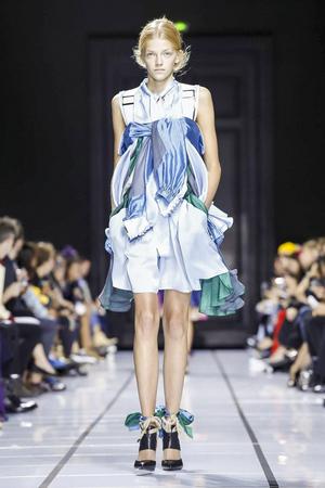 Sacai Spring 2018 Paris Fashion Week Show