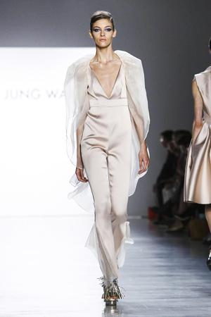 Son Jung Wan Spring 2018 NYFW Show