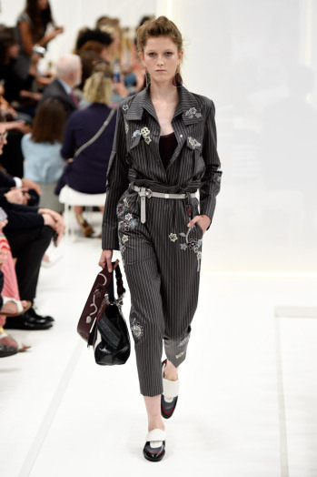 tods-spring-2016-milan-fashion-week-runway-26