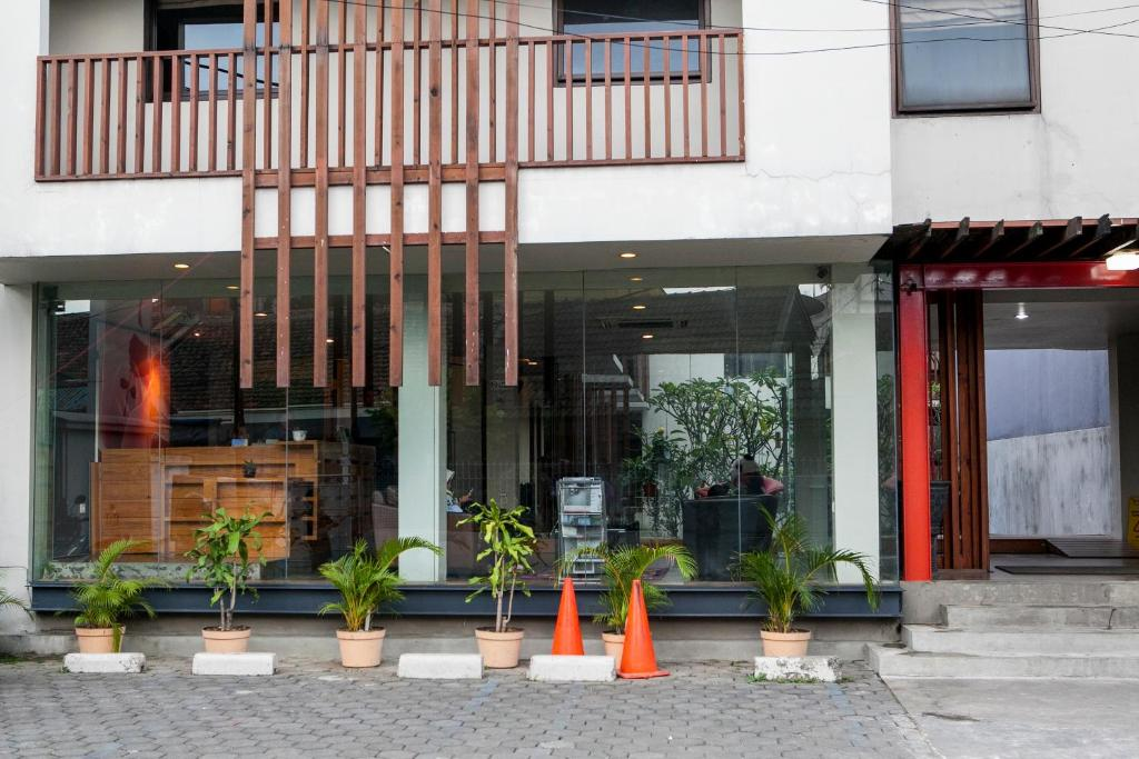 Reddoorz Plus Near Asia Afrika 3 Bandung Harga 2020 Terbaru