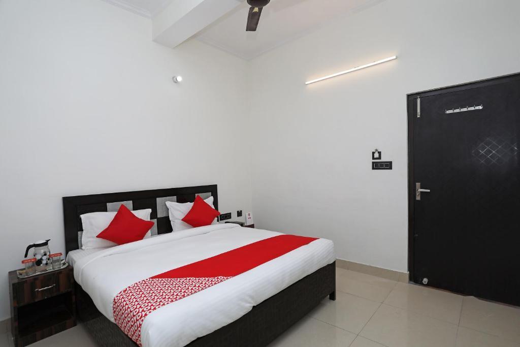 Oyo 10535 Hotel Alpine Bareilly India Booking Com