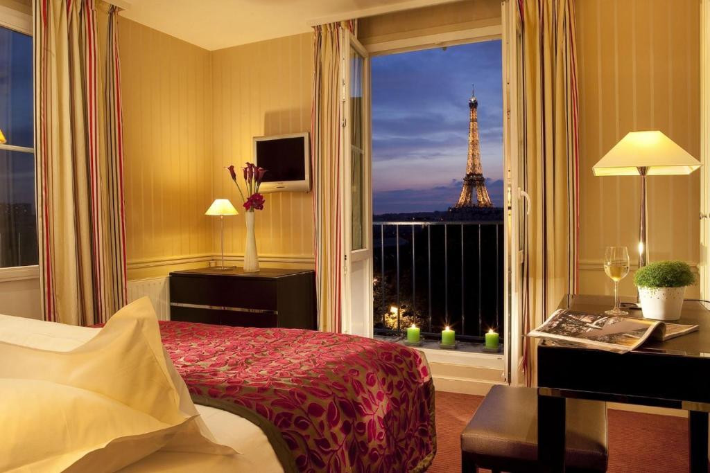 Hotel Duquesne Eiffel Paris France Booking Com
