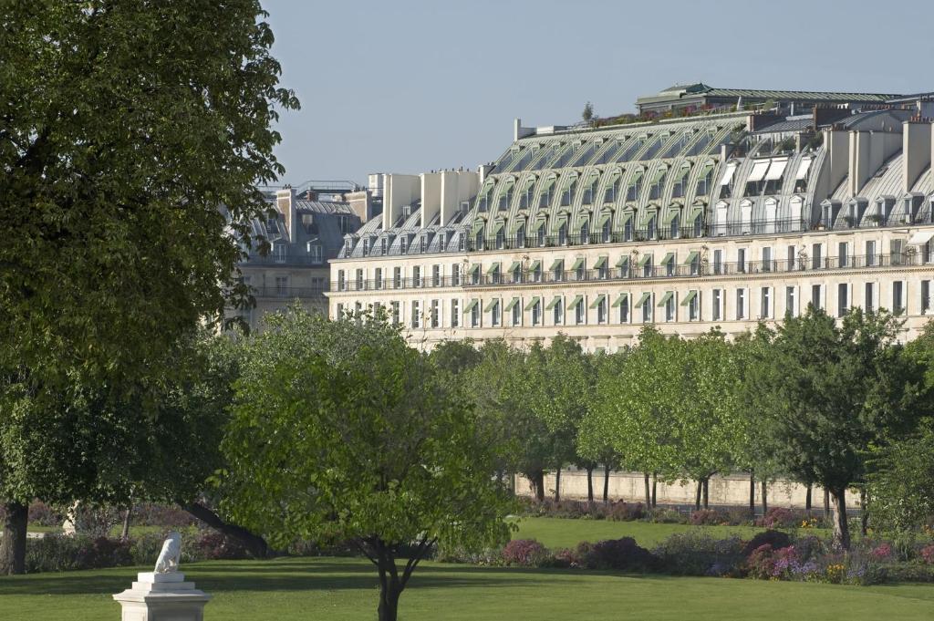 Hotel Le Meurice Paris France Booking Com