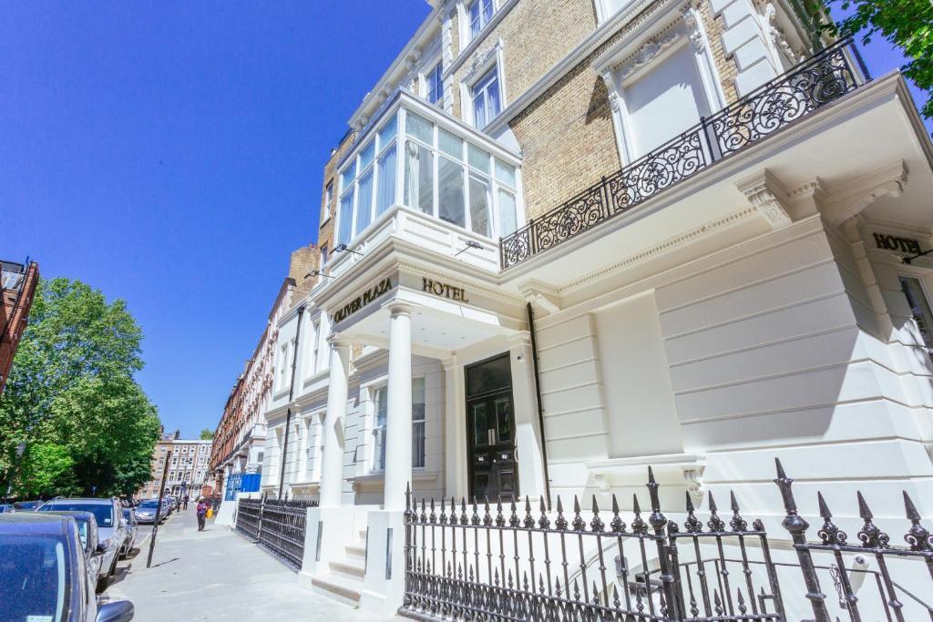 Oliver Plaza Hotel London Uk Booking Com