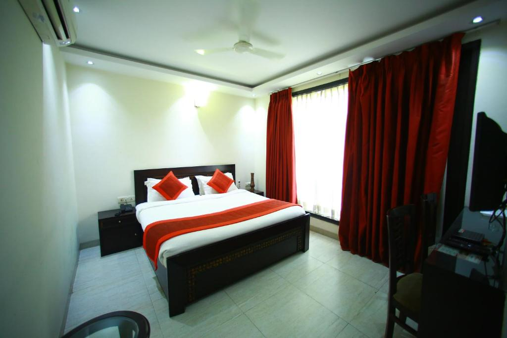 Bed And Breakfast Sparklin Suites Gurgaon India Booking Com