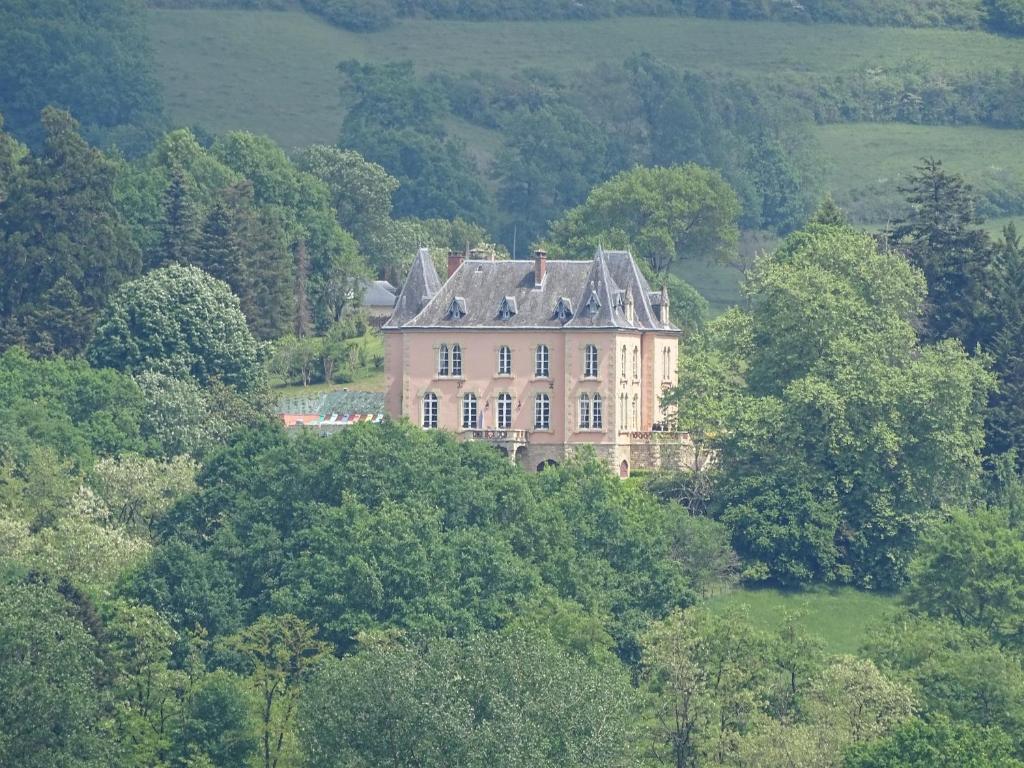 Vacation Home Chateau Du Bois Noir Perpezac Le Blanc