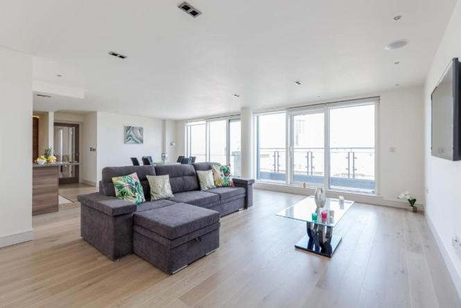 Apartment Luxury Modern 3 Bedrooms Flat