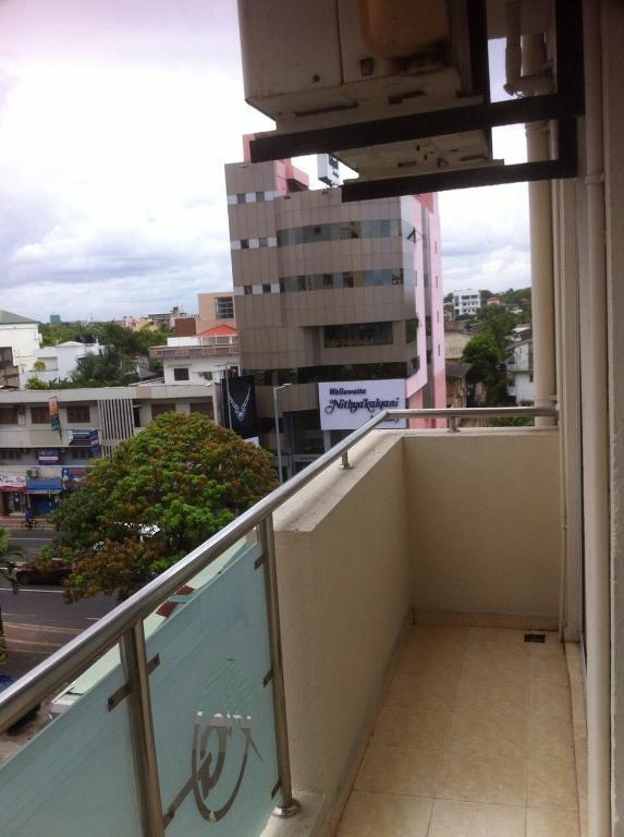 Apartment No 04 Metro Towers 4 2 Ramakrisha Road