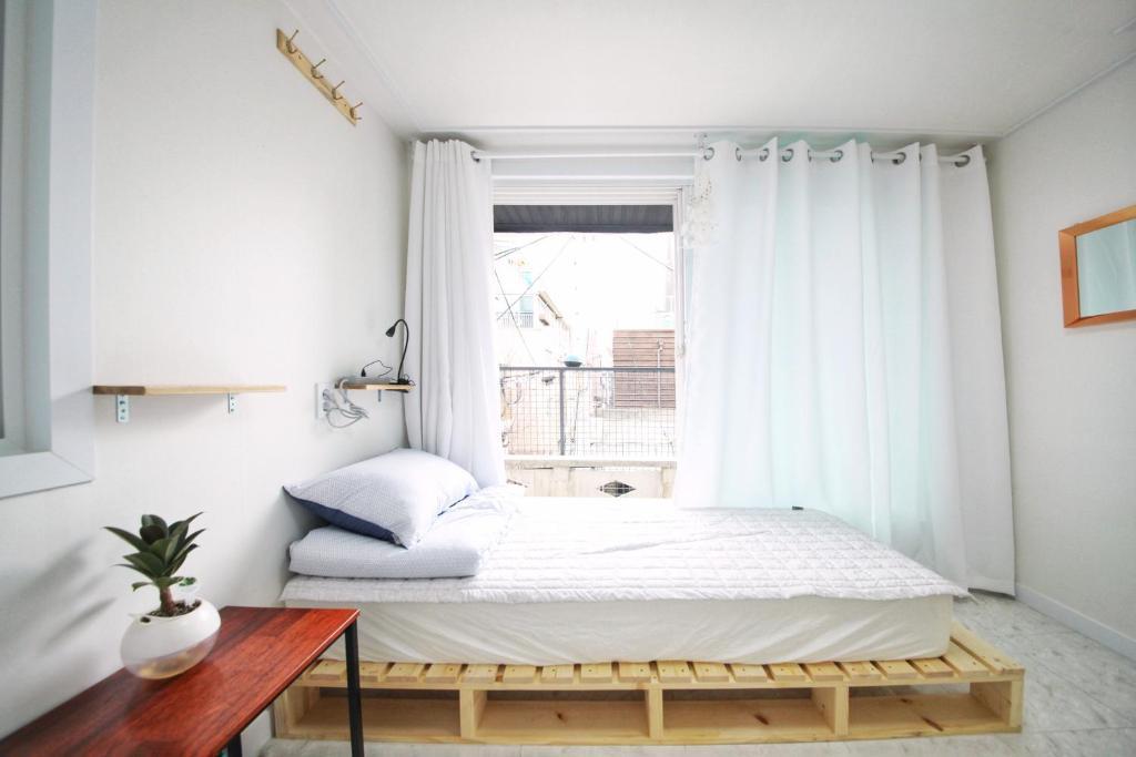 Bed And Breakfast Zibro H Seoul South Korea Booking Com