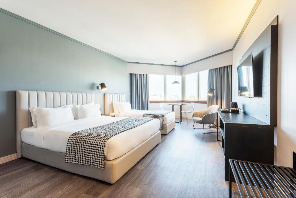 Hotel Hf Fenix Porto Portugal Booking Com