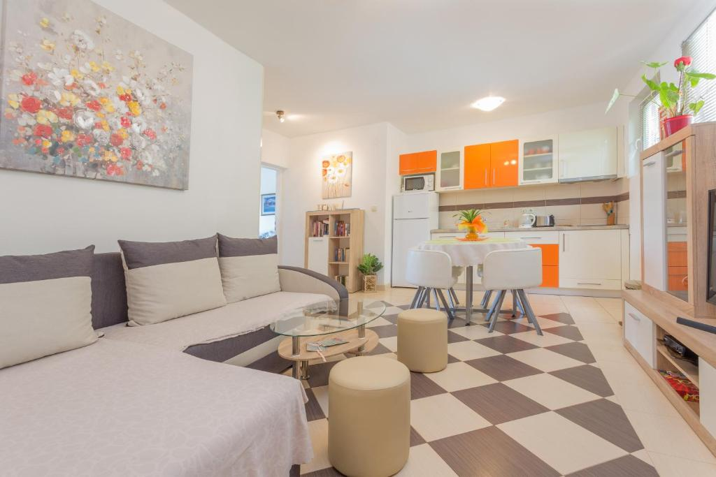 Apartment Edi Centrally Located Hvar Croatia Booking Com