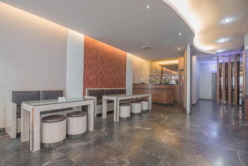 Hotel Reddoorz Plus Near Harbour Bay Mall Batam Tanjunguma