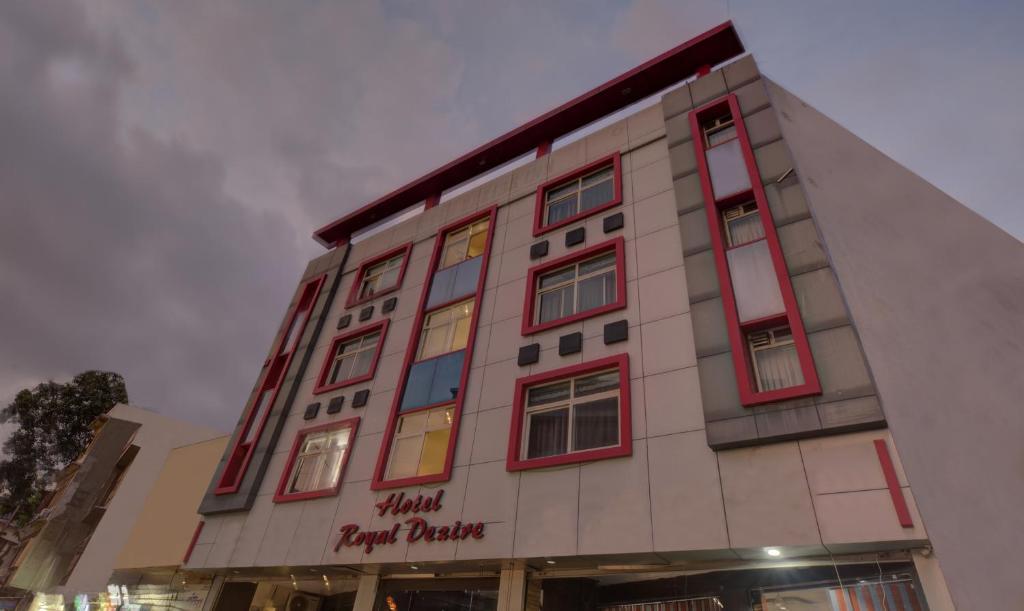 Hotel Treebo Trend Royal Dezire Udaipur India Booking Com