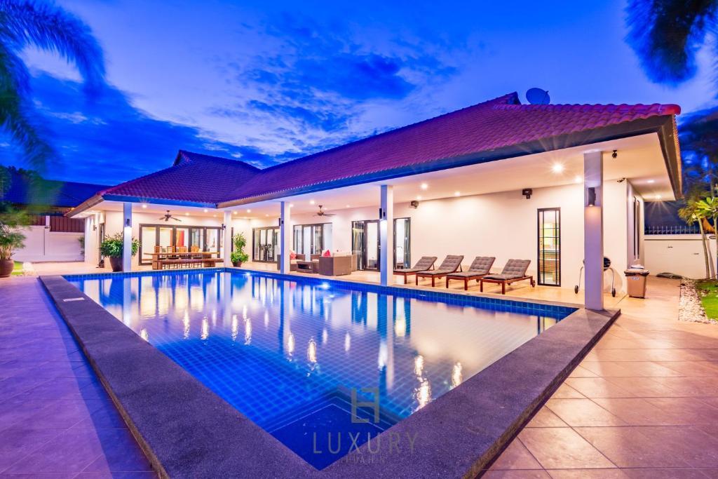 5 Bedroom Pool Villa In Great Location Cv5 Hua Hin