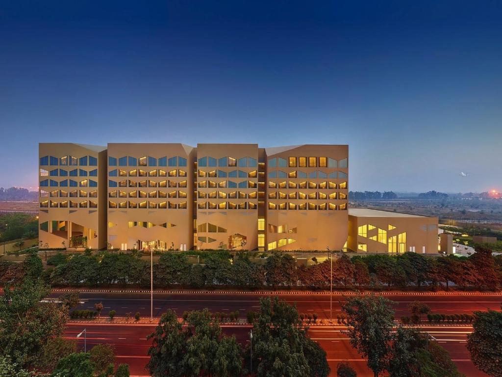 Hotel Vivanta New Delhi Dwarka India Booking Com