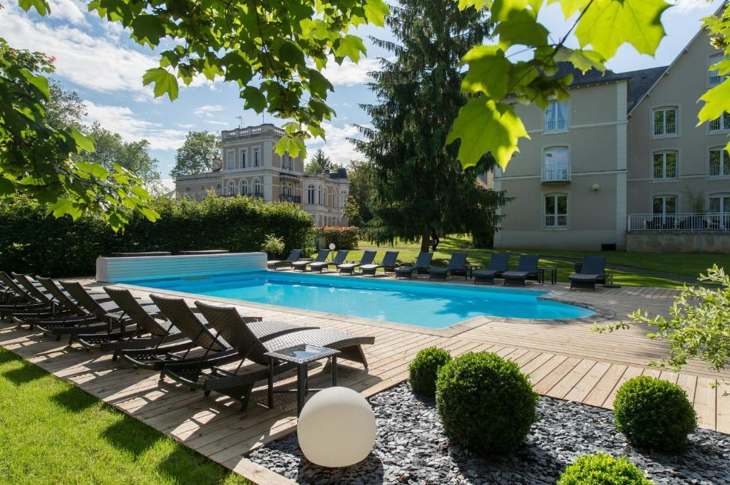 Hotel Clos De La Ribaudiere Chasseneuil Du Poitou France