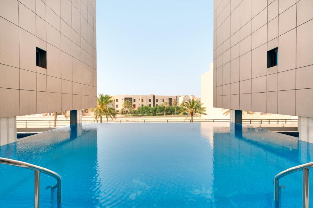 Ramada Hotel And Suites Amwaj Islands Manama Updated 2020