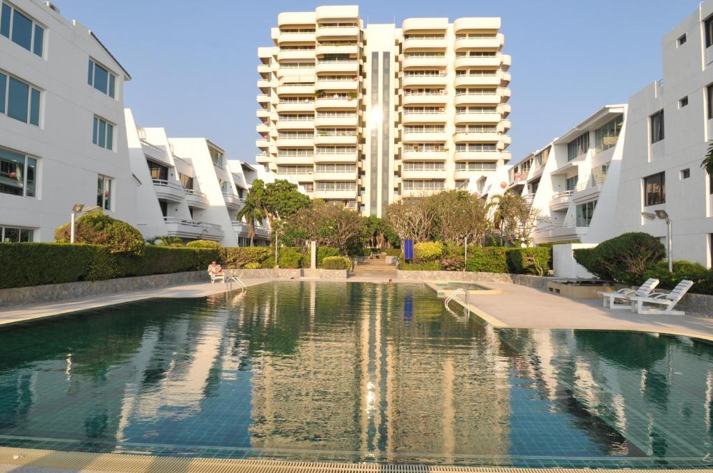 Apartment Chom Talay Jomtien Beach Thailand Booking Com