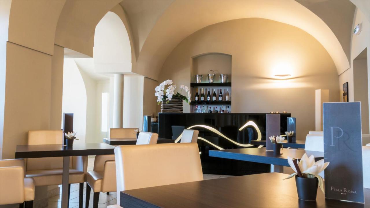 Hotel Perla Rossa L'ile Rousse France Booking Com